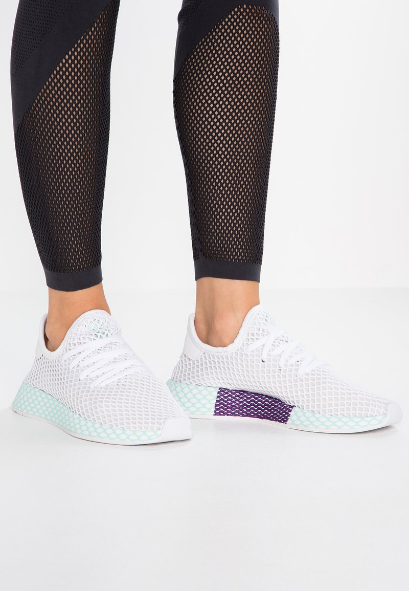 adidas Originals - DEERUPT RUNNER - Sneaker low - footwear white/grey one/clear mint