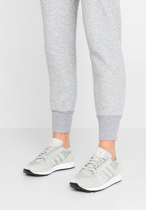 FOREST GROVE - Sneakers - ash silver/clear orange
