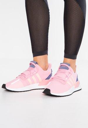 PATH RUN - Tenisky - true pink/clear orange/core black