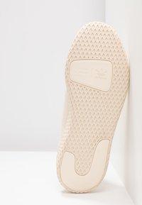 adidas Originals - PW TENNIS - Trainers - ecru tint/cloud white/core black - 6