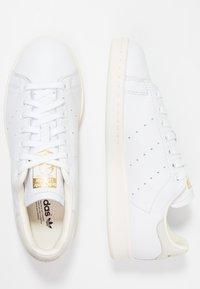adidas Originals - STAN SMITH - Sneakers - footwear white/offwhite/core black - 3