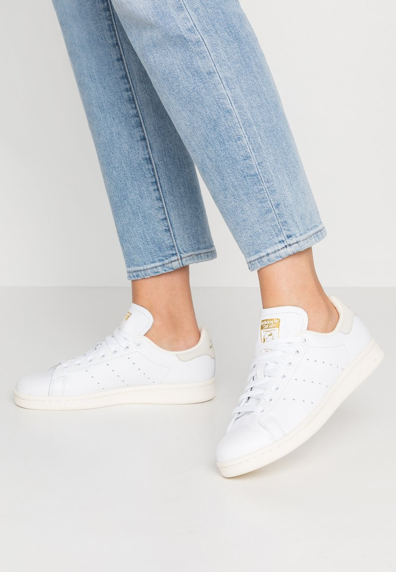 adidas Originals - STAN SMITH - Sneaker low - footwear white/offwhite/core black
