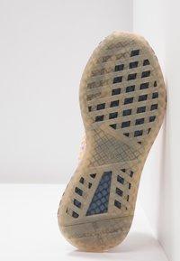 adidas Originals - DEERUPT RUNNER  - Trainers - clear pink/hi-res yellow/raw steel - 6