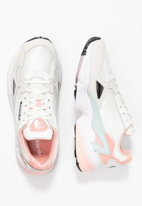 adidas Originals - FALCON  - Trainers - white tint/raw white/trace pink - 3