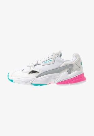 FALCON - Zapatillas - footwear white/solar pink/silver metallic