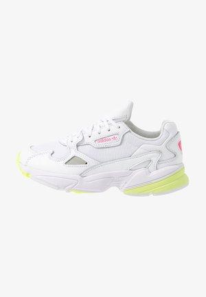 FALCON - Baskets basses - footwear white/hi-res yellow