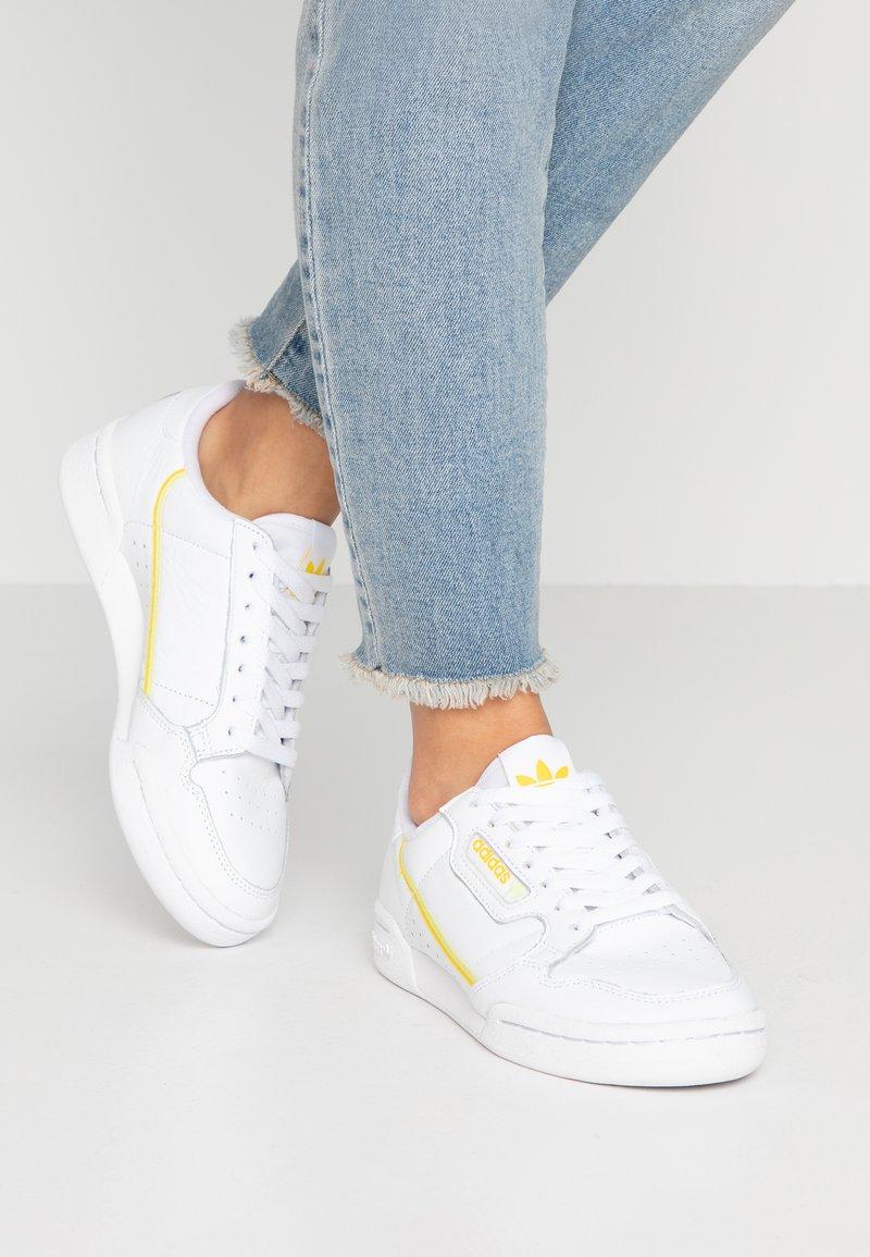adidas Originals - CONTINENTAL 80 - Sneaker low - footwear white/yellow/semi frozen yellow
