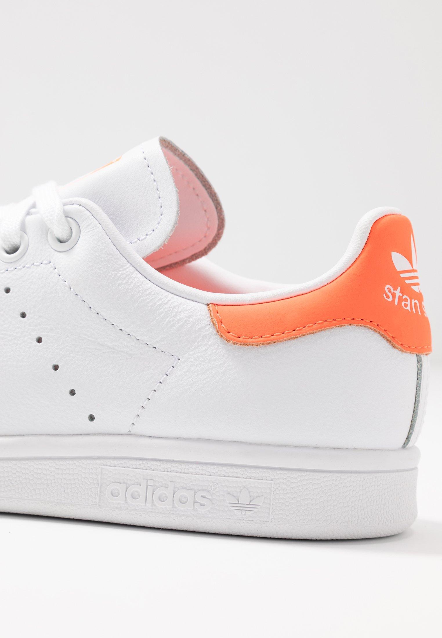 adidas Originals STAN SMITH - Sneakersy niskie - footwear white/solar orange