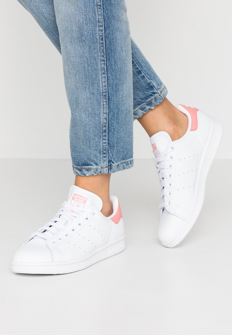 adidas Originals - STAN SMITH - Sneaker low - footwear white/tactile rose