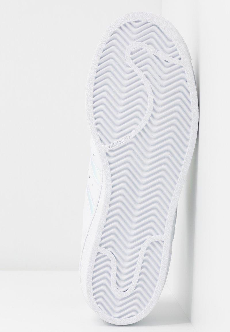 super Metallic White SuperstarBaskets Basses gold Footwear Collegiate Originals Adidas 8wn0Nm