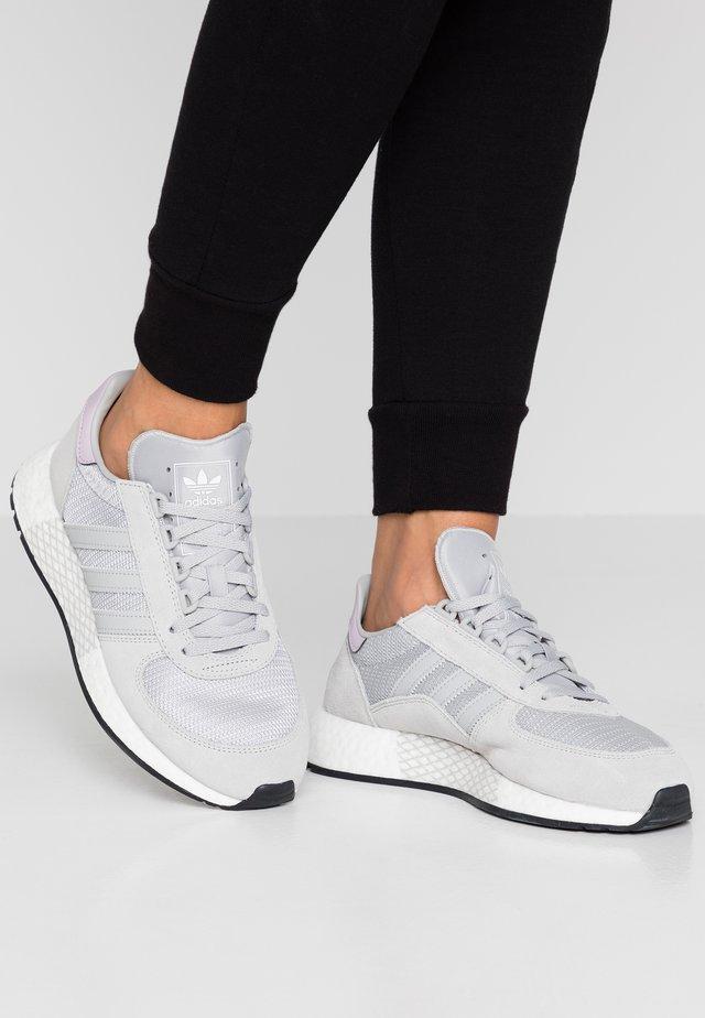 MARATHON TECH  - Sneakersy niskie - grey two/core black