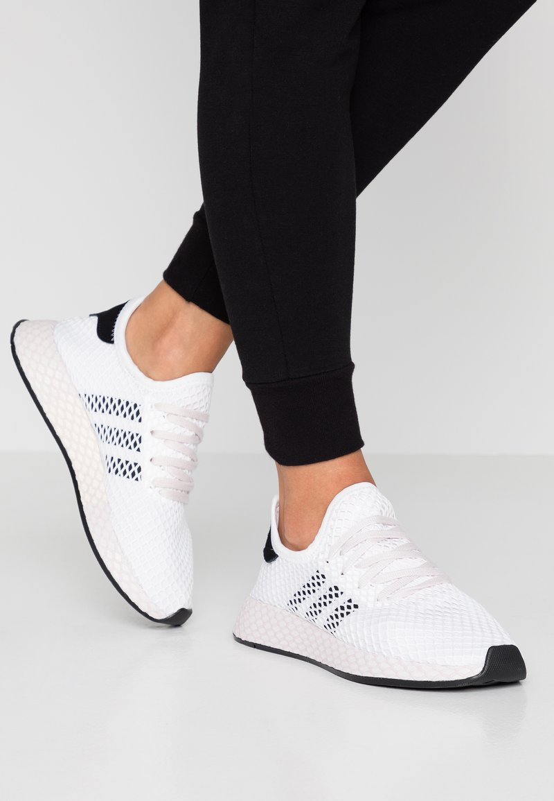 adidas Originals - DEERUPT RUNNER - Trainers - footwear white/core black/orchid tint