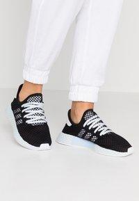 adidas Originals - DEERUPT RUNNER - Trainers - core black/footwear white/blue tint - 0