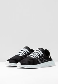 adidas Originals - DEERUPT RUNNER - Trainers - core black/footwear white/blue tint - 4
