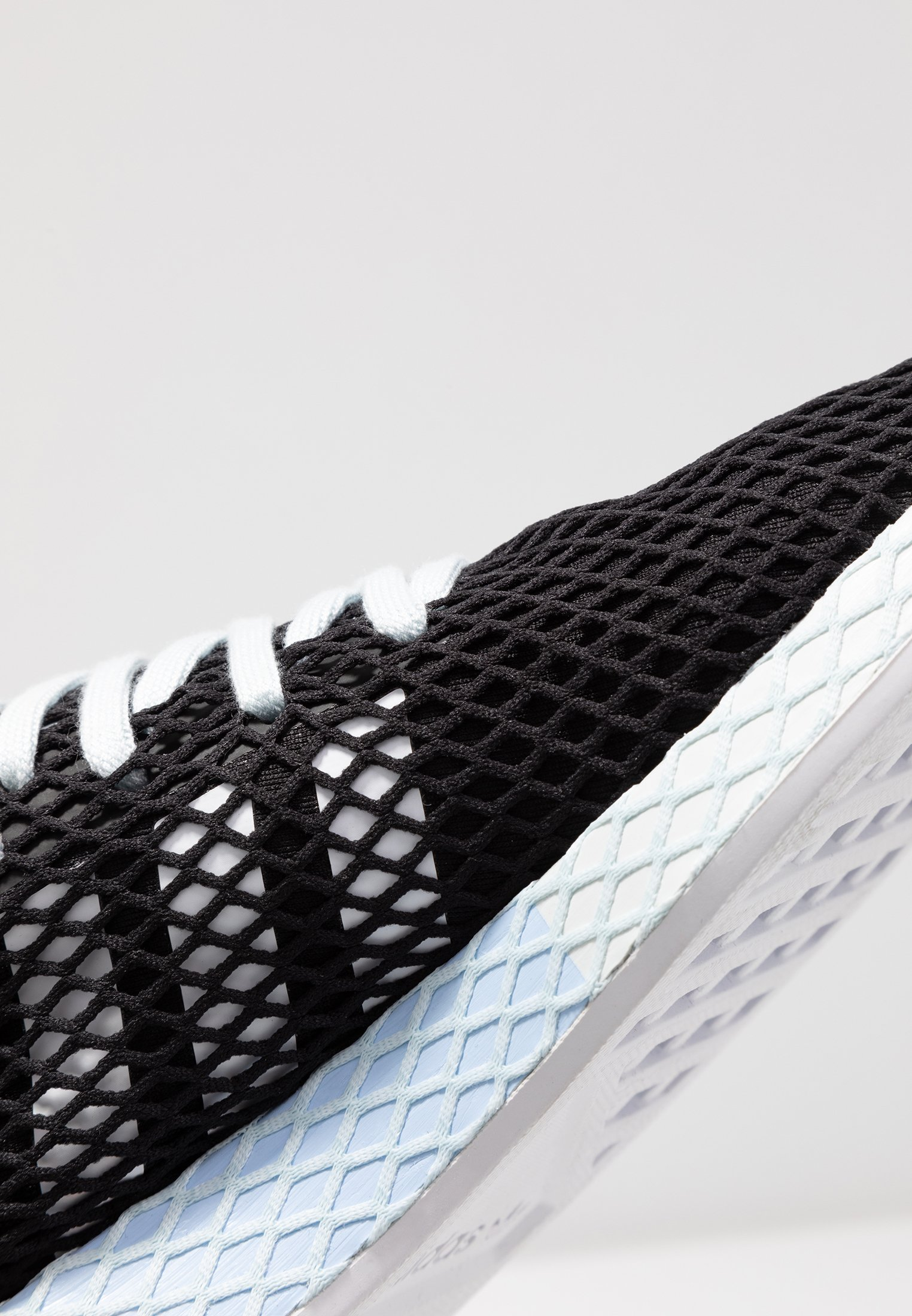footwear Adidas Core Tint blue RunnerBaskets Deerupt Originals Basses Black White UqMVSzpG