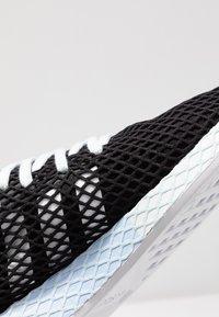 adidas Originals - DEERUPT RUNNER - Trainers - core black/footwear white/blue tint - 2