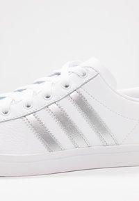 adidas Originals - COAST STAR - Sneakersy niskie - footwear white/silver metallic/core black - 2