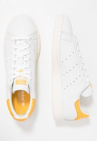 adidas Originals - STAN SMITH - Joggesko - footwear white/active gold/optic white