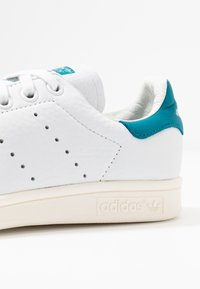 adidas Originals - STAN SMITH - Sneakers laag - footwear white/active teal/offwhite - 2