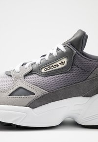 adidas Originals - FALCON - Sneakers - grey one/grey two/grey four - 2