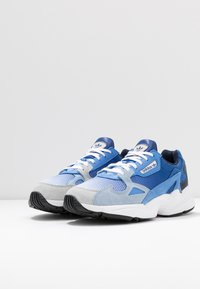 adidas Originals - FALCON - Sneakers laag - blue tint/glow blue/real blue - 4