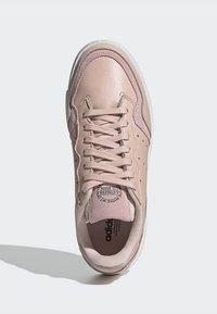 adidas Originals - SUPERCOURT W - Sneakers laag - vappnk/vappnk/crywht - 4