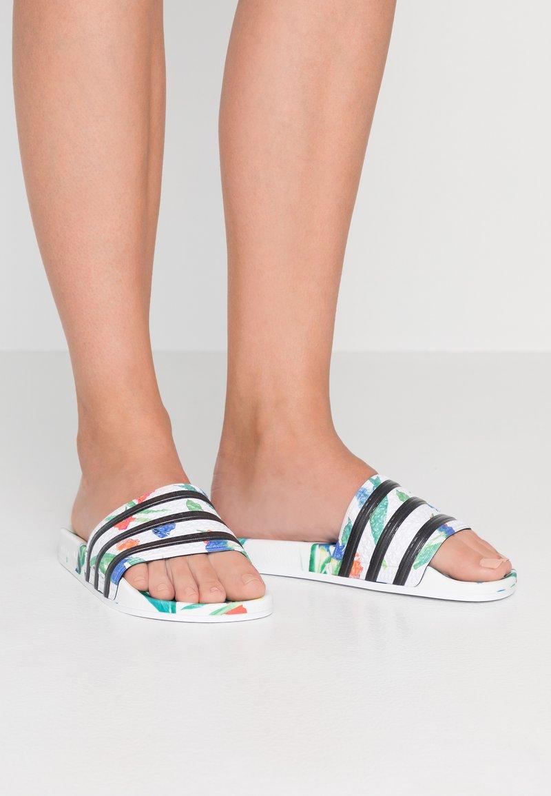 adidas Originals - ADILETTE  - Pantolette flach - footwear white/core black