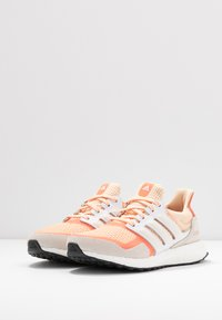 adidas Performance - ULTRABOOST S&L - Joggesko - glow ora/offwhite/semi core - 4