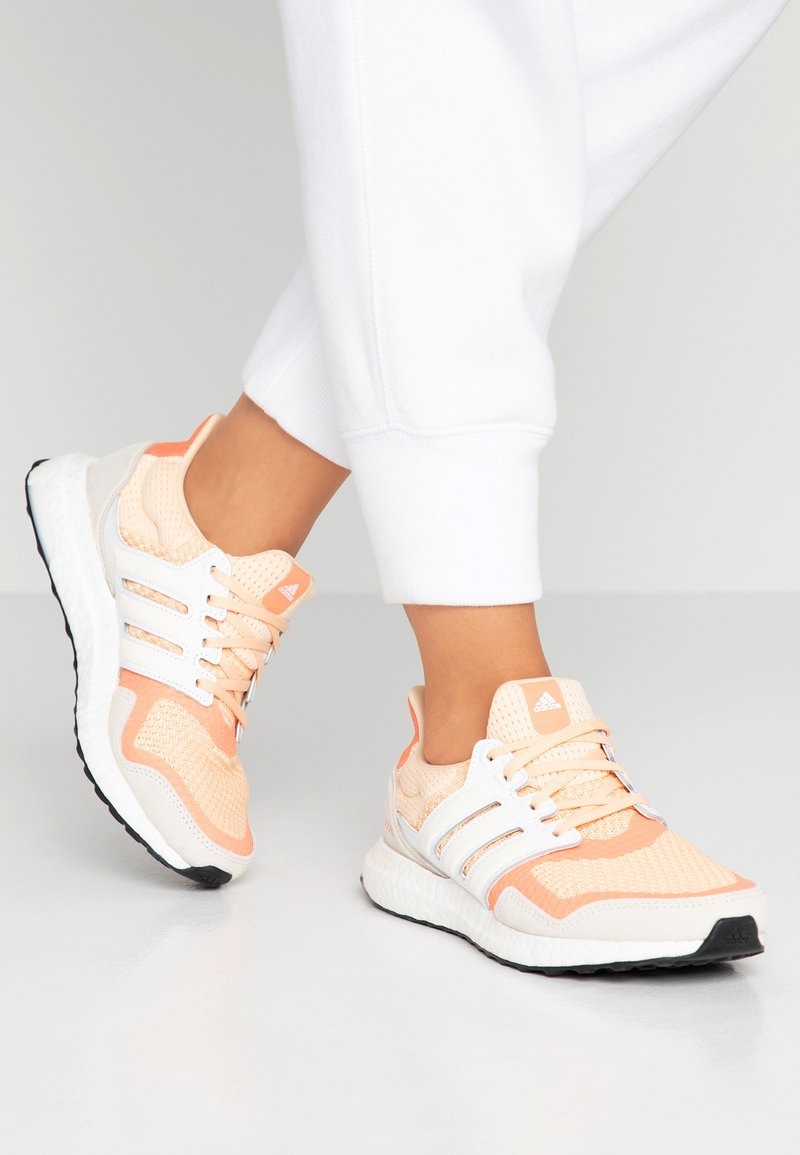 adidas Performance - ULTRABOOST S&L - Joggesko - glow ora/offwhite/semi core