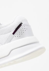 adidas Originals - U_PATH X RUNNING-STYLE SHOES - Tenisky - footwear white/purple bea/clear black - 2