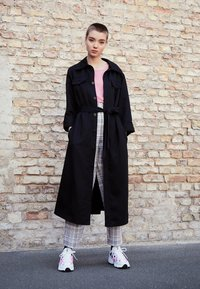 adidas Originals - EQT GAZELLE - Sneakers - crystal white/core black/shock pink - 3