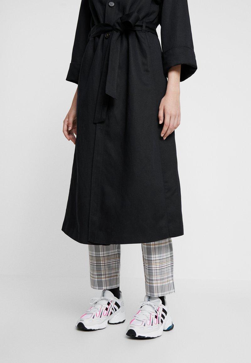 adidas Originals - EQT GAZELLE - Sneakers - crystal white/core black/shock pink