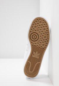 adidas Originals - NIZZA TREFOIL - Baskets basses - footwear white - 6