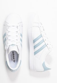 adidas Originals - COAST STAR STREETWEAR-STYLE SHOES - Tenisky - footwear white/ash green - 3