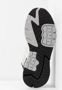 adidas Originals - NITE JOGGER - Sneakers laag - grey one/soft vision - 6