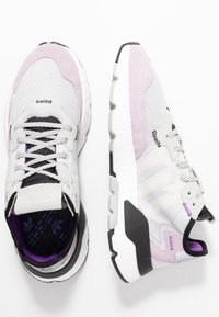 adidas Originals - NITE JOGGER - Sneakers laag - grey one/soft vision - 3
