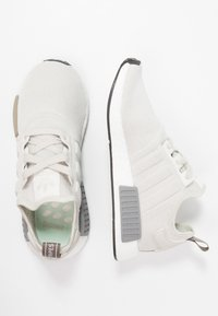 adidas Originals - NMD_R1 - Joggesko - raw white/core black - 3