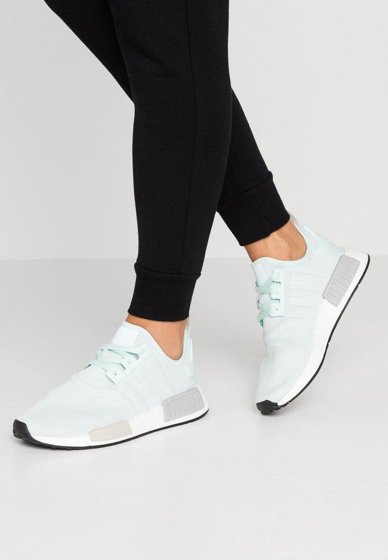 adidas Originals - NMD_R1 - Sneakersy niskie - ice mint/footwear white