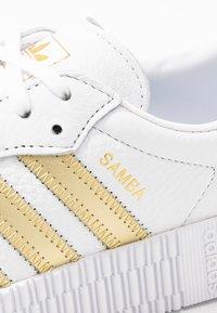 adidas Originals - SAMBAROSE - Trainers - footwear white/gold metallic - 2