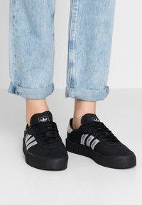 adidas Originals - SAMBAROSE - Sneakersy niskie - core black/silver metallic - 0