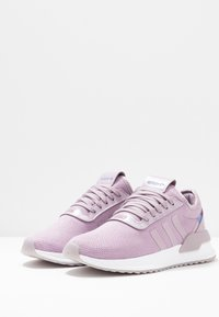 adidas Originals - U PATH X  - Sneakersy niskie - soft vision/chalk purple/footwear white - 4