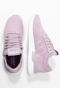 adidas Originals - U PATH X  - Sneakersy niskie - soft vision/chalk purple/footwear white - 3