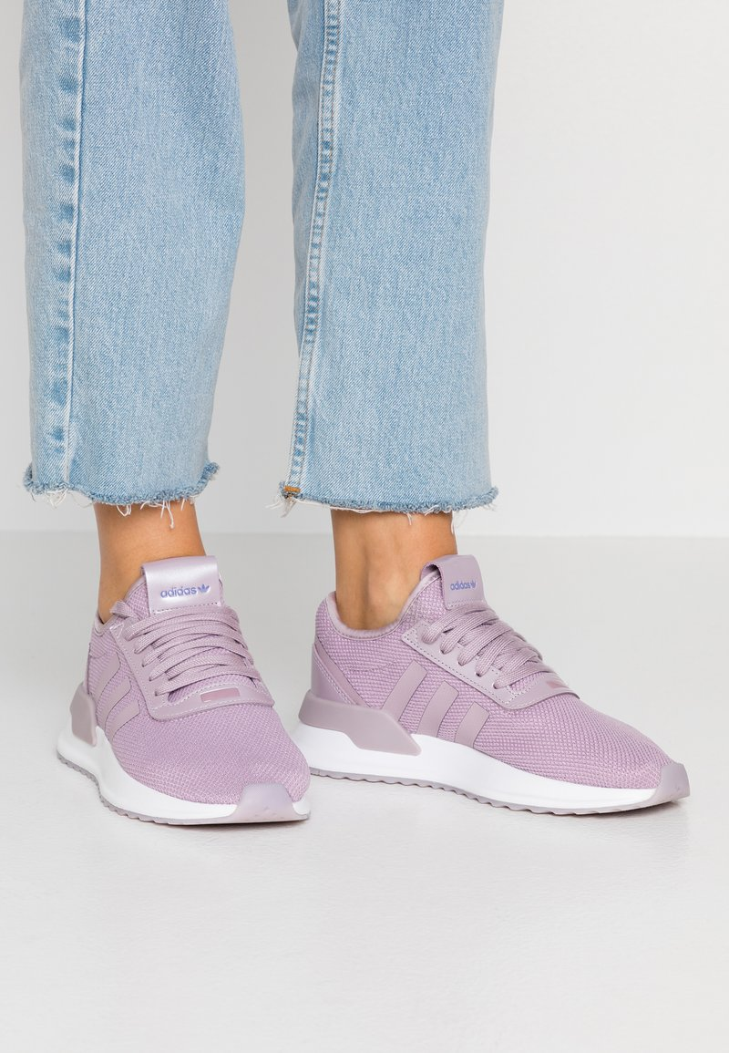 adidas Originals - U PATH X  - Sneakersy niskie - soft vision/chalk purple/footwear white