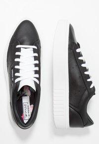 adidas Originals - SLEEK SUPER - Sneakers basse - core black/footwear white - 3