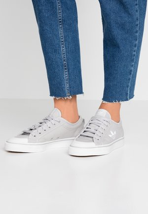 NIZZA TREFOIL - Sneakers laag - grey two/footwear white/crystal white