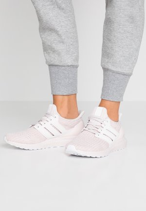 ULTRABOOST - Sneakers laag - orchid tint/core black