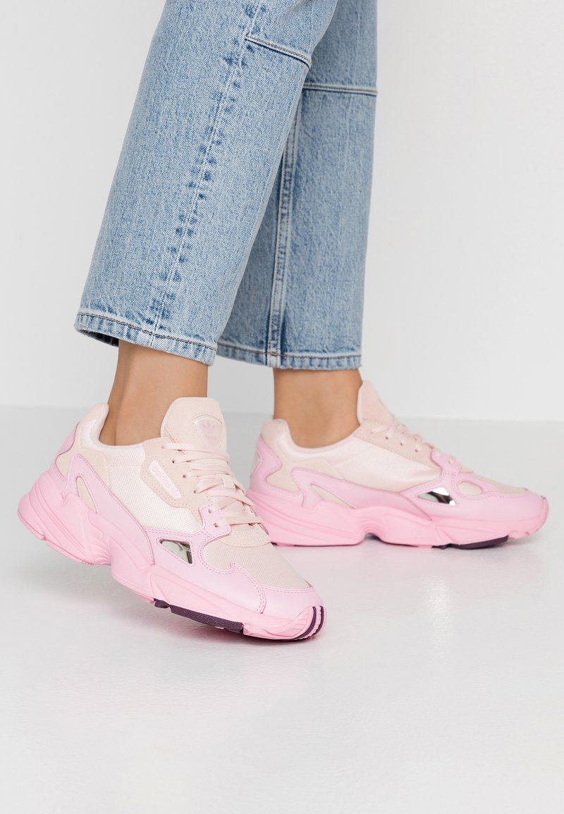 adidas Originals - FALCON TORSION SYSTEM RUNNING-STYLE SHOES - Baskets basses - ice pink/true pink/chalk purple