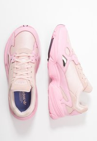 adidas Originals - FALCON TORSION SYSTEM RUNNING-STYLE SHOES - Baskets basses - ice pink/true pink/chalk purple - 3