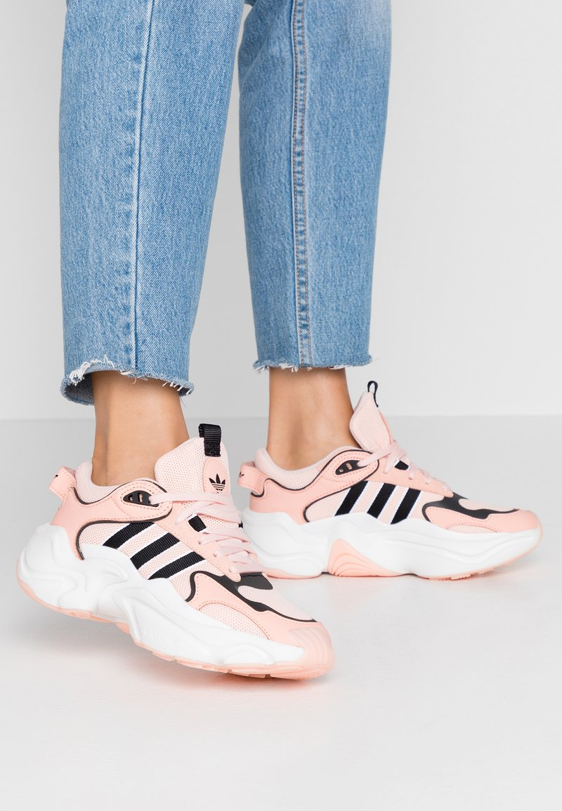 adidas Originals - MAGMUR RUNNER - Trainers - glow pink/ice pink/crystal white