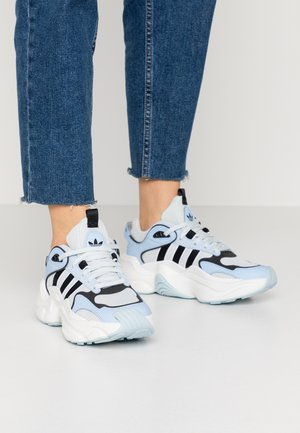 MAGMUR RUNNER - Sneakers laag - glow blue/blue tint/crystal white
